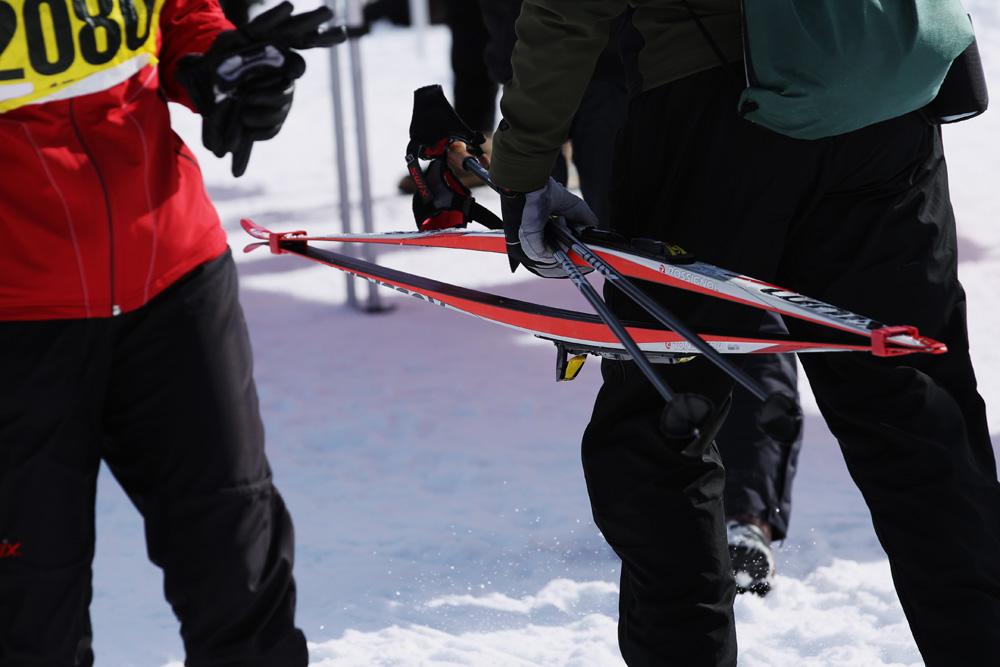 ski ties walking